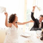 sposi al ristorante - fotografo matrimonio torino